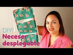Laudelina Collaço shared a video Tutorial Patchwork, Diy Pencil Case, Diy Bags Purses, Backpack Pattern, Boho Bags, Bag Organization, Sewing Projects, Sewing Patterns, Coin Purse