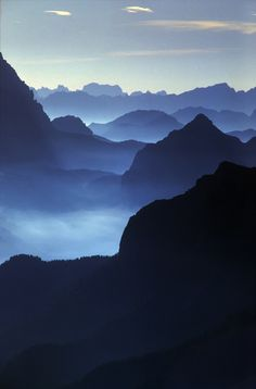 Franco Buccarey C. via Mi Sora 美空 Repinned 3 minutes ago from Shades of Mountains