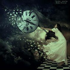 Tudo tem o seu tempo determinado e há tempo para todo propósito debaixo do céu: há tempo de nascer e tempo de morrer; tempo de chorar e tempo de rir; tempo de abraçar e tempo de afastar-se; tempo de amar e tempo de aborrecer;  tempo de guerra e tempo de paz.  - Eclesiastes -Coisinhas da TecaEuzebio