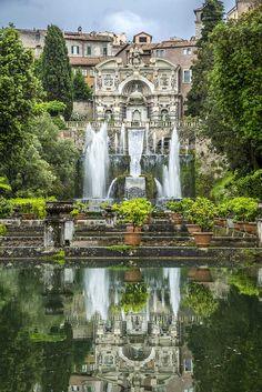 10 jardins colorés autour du monde | CHEZ SOI Photo: ©iStock #jardin #fleurs #couleurs #VillaEste #Tivoli #Italie