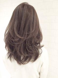 ハイライト×ローライト~パールグレージュ~SHIGE - 24時間いつでもWEB予約OK!ヘアスタイル10万点以上掲載!お気に入りの髪型、人気のヘアスタイルを探すならKirei Style[キレイスタイル]で。
