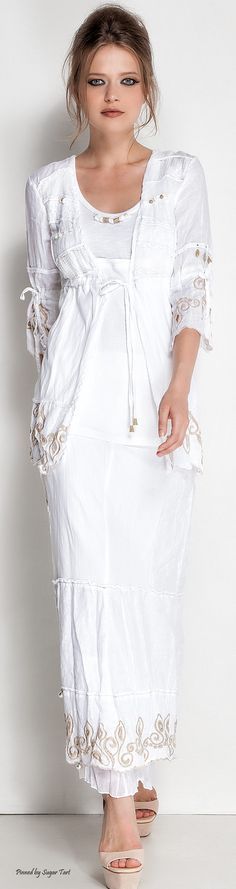 Elisa Cavaletti A little different from my usual style but really cute though White Fashion, Boho Fashion, Fashion Outfits, Womens Fashion, Fashion Design, Boho Chic, Bohemian Style, Beautiful Outfits, Cool Outfits