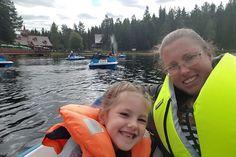Afgelopen week brachten dochterlief en ik door in Zweden. In de provincie Dalarna om precies te zijn. De eerste vliegreis van onze dochter, dus dat was wel spannend. We hebben de kerstman ontmoet en oog in oog gestaan met een ijsbeer. En nog veel meer, maar dat lees je vanavond in deel 2! #visiszweden_ned #zomerinzweden #bucketlist