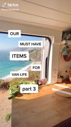 Bus Living, Living On The Road, Bus Life, Camper Life, Combi Hippie, Camper Van Conversion Diy, Van Conversion Interior, Kombi Home, Bus House