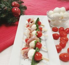 Today I made Simple Caprese Appetizers. I used fresh mozzarella, cherry tomatoes, basil, and threw in a little prosciutto for a fun twist. All I did was sprinkle them with salt and pepper and drizz…