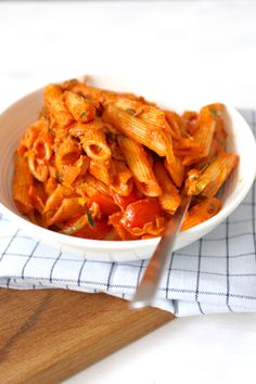 This Category celebrates the finest in quality Italian cuisine and Italian Wines. See our best selection of posts that dive into Italian food and wine! Wine Recipes, Pasta Recipes, Snack Recipes, Cooking Recipes, Healthy Recipes, Cooking Ideas, Good Food, Yummy Food, Italy Food