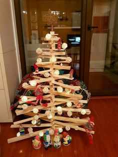 @fantastpedia 's Christmas tree 2017.100% hand made, wood tree😍😍😍Check out @fantastpedia instagram and blog for beautiful captures of her life