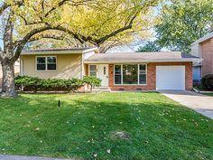 Illinois, Garage Doors, Windows, Outdoor Decor, Home Decor, Decoration Home, Room Decor, Home Interior Design, Carriage Doors