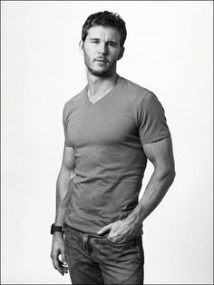 Ryan Kwanten- he may be dumb in true blood but his body makes up for it ;)