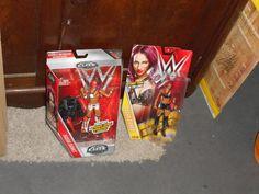 WWE ELITE SASHA BANKS FIGURE + REGULAR SASHA BANKS FIGURE  NICE SET READ!!! - http://bestsellerlist.co.uk/wwe-elite-sasha-banks-figure-regular-sasha-banks-figure-nice-set-read/