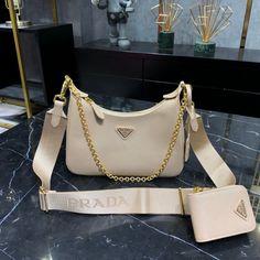 Fashion Handbags, Purses And Handbags, Fashion Bags, Luxury Purses, Luxury Bags, Trendy Purses, Best Designer Bags, Accesorios Casual, Louis Vuitton Shoulder Bag