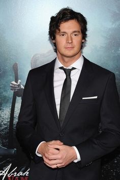 Kicking Ass With Benjamin Walker and the Crew of 'Abraham Lincoln: Vampire Hunter': http://www.hotterinhollywood.com/original/2012/06/kicking-ass-with-benjamin-walker-and-the-crew-of-abraham-lincoln-vampire-hunter.html
