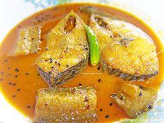 Ilish Macher Begun Jhol/ Hilsha/ Shad Curry With Eggplant
