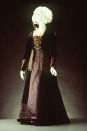Velvet and silk tea gown, c. 1890.