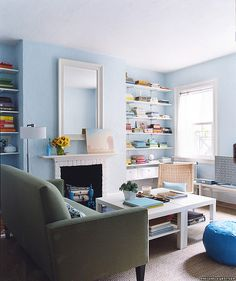 blue and white - such a fresh look. Love it.