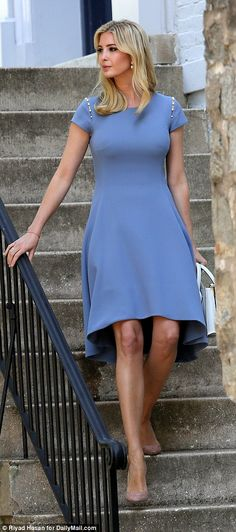 Outfit of the day: The first daughter wore her blond hair in loose waves around her shoulders