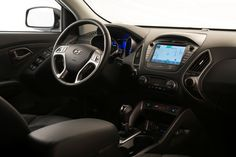 2014 Hyundai Tucson Walking Dead 10 Year Anniversary Edition Front Seat View - Navigation Included
