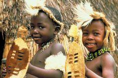 Zulu-kids-in-traditional-dress-Natal
