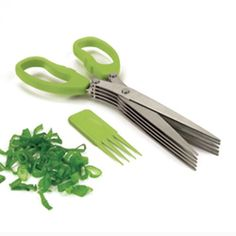 Cutting fresh herbs has never been so easy with this multi-blade herb scissors from Starfrit Gourmet. Cut fresh herbs five times more quickly with the multi-blade design that is easy to use. Great for all types of herbs, it comes with a special clean. Cool Kitchen Gadgets, Kitchen Items, Kitchen Hacks, Cool Gadgets, Kitchen Knives, Kitchen Tools, Cool Kitchens, Kitchen Dining, Kitchen Stuff