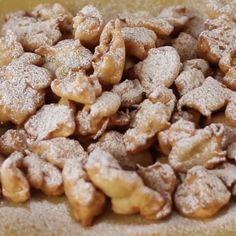 Crema fredda al caffè in crosta - Janis Ce. East Dessert Recipes, Great Desserts, Cake Recipes, Snack Recipes, Sugar Cookie Recipe Easy, Easy Sugar Cookies, Tolle Desserts, Decoration Patisserie, Cinnamon Recipes