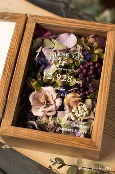 Flower Shadow Box, Flower Box Gift, Diy Shadow Box, Flower Frame, Flower Boxes, My Flower, Diy Bathroom Furniture, Creative Crafts, Diy And Crafts