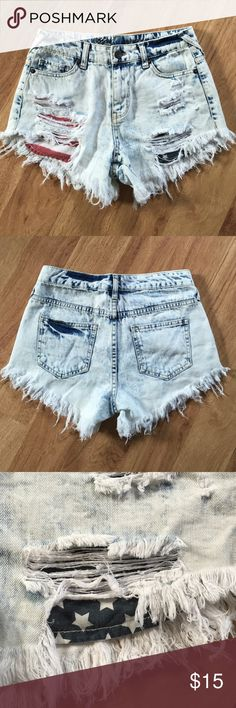 4th of July shorts✨ 4th of July shorts✨ Brand new Shorts, perfect condition! Size 24 Shorts Jean Shorts