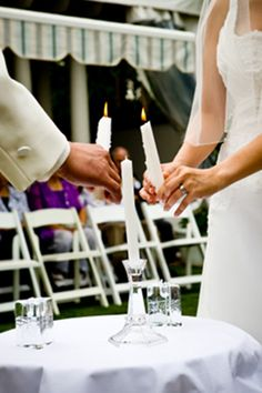 Handfasting Tradition – The Origin of Tying the Knot