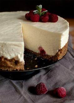 Try this sernik na zimno z białą czekoladą i mascarpone recipe, or contribute your own. Cookie Desserts, Sweet Desserts, Sweet Recipes, Cookie Recipes, Delicious Desserts, Dessert Recipes, Yummy Food, Cheesecake, Kolaci I Torte