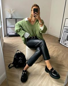 And Now, 26 High-Low Takes on My Favorite Fashion Trends and Basics Winter Fashion Outfits, Look Fashion, Autumn Winter Fashion, Fall Outfits, Womens Fashion, Classy Outfits, Chic Outfits, Trendy Outfits, Black Loafers Outfit