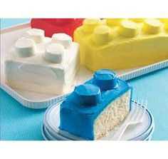 So sweet! Lego Cakes!! :-P