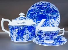 Mikado Blue from Royal Crown Derby now available in the US from Steelite