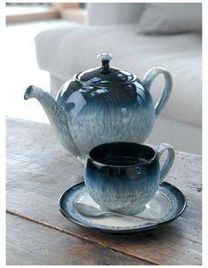 Pottery Teapots, Ceramic Teapots, Ceramic Pottery, Slab Pottery, Thrown Pottery, Ceramic Bowls, Ceramic Art, Yellow Teapot, Denby Pottery