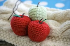 How to crochet an apple.  Greedy For Colour: free patterns.