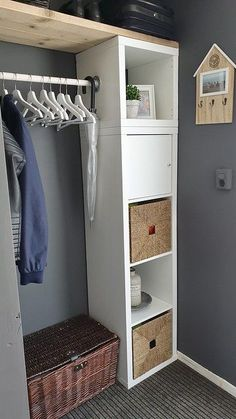Binnenkijken bij Jenny - De Wemelaer - Lilly is Love Wardrobe Storage, Home Hacks, Home Projects, Home And Living, Cool Furniture, Home Decor, Trap, Bedroom, Country Homes Decor