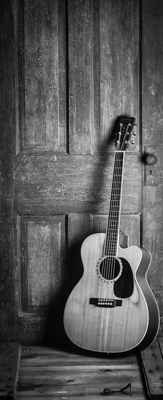 Acoustic Guitar - Black and white photography. and white Photography Acoustic Guitar - Black and white photography Black And White Photo Wall, Black And White Wallpaper, Black And White Pictures, Black And White Photography, Black And White Background, Guitar Photos, Ukulele Pictures, Black And White Aesthetic, Beautiful Guitars