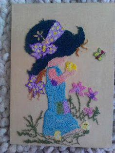 Aprende cómo hacer el bordado ruso con la aguja mágica ~ Mimundomanual Punch Needle Kits, Punch Needle Patterns, Sarah Kay, Crochet Dolls, Beautiful Paintings, Crochet Necklace, Weaving, Embroidery, Crafts