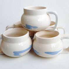 Mug terre mélangée bleue #pottery #poterie #faience #ceramics #ceramic #ceramicart #pottering #ceramicreview #handmade #art #design #clay #jessicagiraudi #productdesign #artisan #instapottery #instapotter #tournage #lagarennecolombes #marble #mug #cup #bluemarble #faitmain #terremelangee