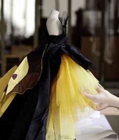 Dior at Harrods - Mini Fashion Theatre (via http://www.dior.tumblr.com/