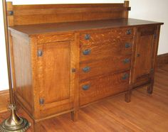 Arts & Crafts sideboard -- yes!!! This!! Where can I find this for not thousands of dollars??