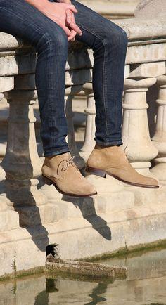 Jules & Jenn - Les Desert Boots cuir daim beige #fashion #mode #durable #boots #men • www.julesjenn.com