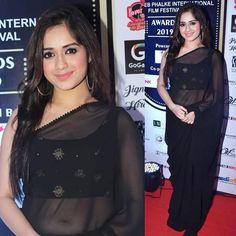 Dress Indian Style, Indian Dresses, Indian Outfits, Stylish Girl Images, Stylish Girl Pic, Stylish Sarees, Stylish Dresses, Beautiful Bollywood Actress, Beautiful Indian Actress