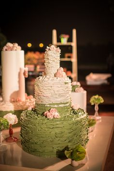 A wedding cake with a twist. Arranged by: Michel Camilos  @Filmatography