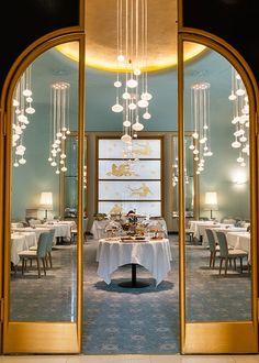 Turin Palace Hotel Luxury Restaurant, Restaurant Lighting, Restaurant Interior Design, Cafe Interior, Modern Interior Design, Interior Exterior, Kitchen Interior, Restaurant Entrance, Apartment Interior