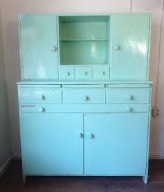 Vanha keittiönkaappi
