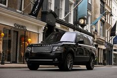 Range Rover Vogue in black