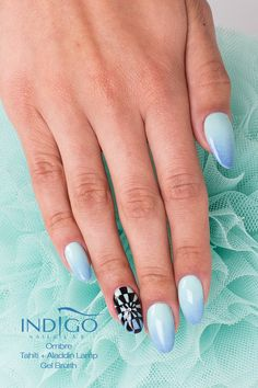 Orzeźwiająca stylizacja od Pauliny Walaszczyk Indigo Educator Łódź w kolorach Tahiti oraz Aladdin Lamp Gel Brush :) #blue #nails #babyblue #black #opart