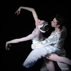 "© Isabelle Aubert  Myriam Ould-Braham and Mathias Heymann, ""Swan Lake"
