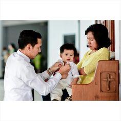 Baptism Ceremony  #tazaly #tazalyphoto #baby #family #cute #jakartaphotographer #makassarphotographer #ig_indonesia_ #picoftheday #iphonesia #instababy #instafamily #nikon #nikkor #nikontop #nikonphotographers #chinessnewyear #newyear #imlek #laugh #happy #happykids #babyboy #mom #baptis #baptisankudus  Please also visit www.tazalyphoto.com Facebook.com/tazalyphoto Instagtam.com/tazalyphoto
