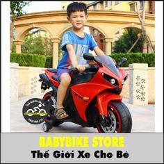 Xe máy điện trẻ em Ducati R1 được thiết kế kiểu dáng thể thao khoẻ khoắn đúng chất của dòng xe Ducati trứ danh, xe rất phù hợp với các bé ưa các dòng xe dáng mạnh mẽ, thời trang với dòng xe phân khối lớn, xe được trang bị động cơ mạnh mẽ có thể tải được tới 60kg vẫn di chuyển dễ dàng nên kể cả người lớn ngồi lên vẫn có thể tải được. Xe được thiết kế như một chiếc xe máy thật với chế độ bé tự lái tiến lùi, xe trang bị đầy đủ đèn, còi nhạc rất vui nhộn đảm bảo bé sẽ rất thích thú với chiếc xe… Xe Ducati, Ems, Motorcycle, Bike, Children, Collection, Bicycle, Young Children, Boys