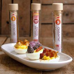 Le vostre uova alla diavola con i peperoncini di @peperitachili recipe at link in bio. #peperita #uovaalladiavola #soeighties #chili #eggs #uova #peperoncino #italianfood #igersfood #foodofinstagram #yummy #colors